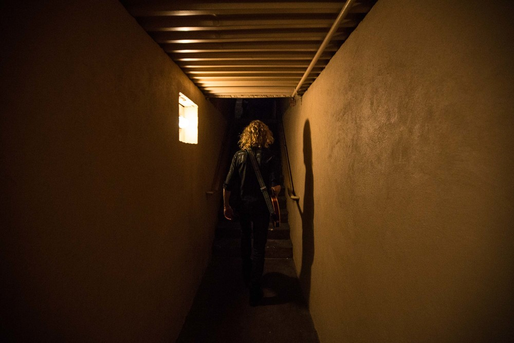 Guitarist Peter Stroud walks backstage at The Crazy Bull music venue in Macon, Ga.  Stroud is Sheryl Crow's guitarist and has played for artist such as Don Henley, Sarah McLachlan, The Dixie Chicks and Shawn Mullins).