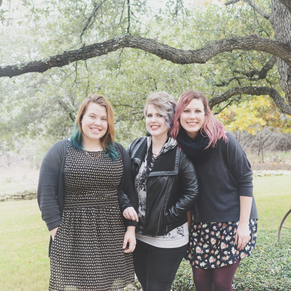 A lovely pic of my and my younger sisters during Thanksgiving. My hair had faded to the max.