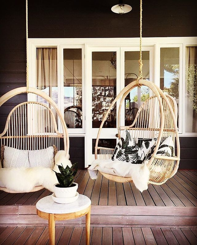 I could literally hang out here all day long! 📷 via @stylecaster #winetime #remodel #homeproject #housetohome #renovation #renovationlife #outdoor #outdoordecor #swingchair #deck