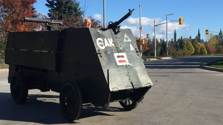 Autocar on Remembrance Day 2018 in Ottawa