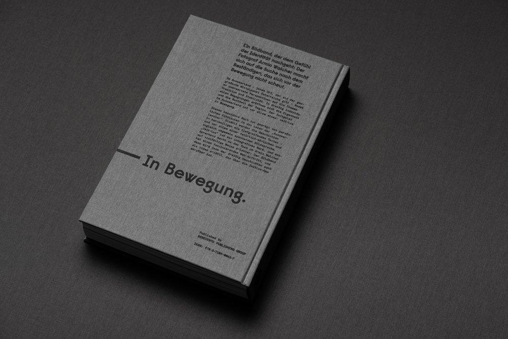 Thirteen&Five / Zeit-los