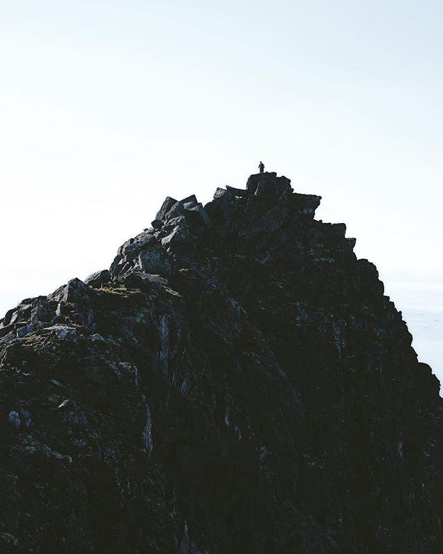 Top of the Sjursviktindan, south of Senja