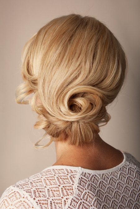 CHIGNON  Back view