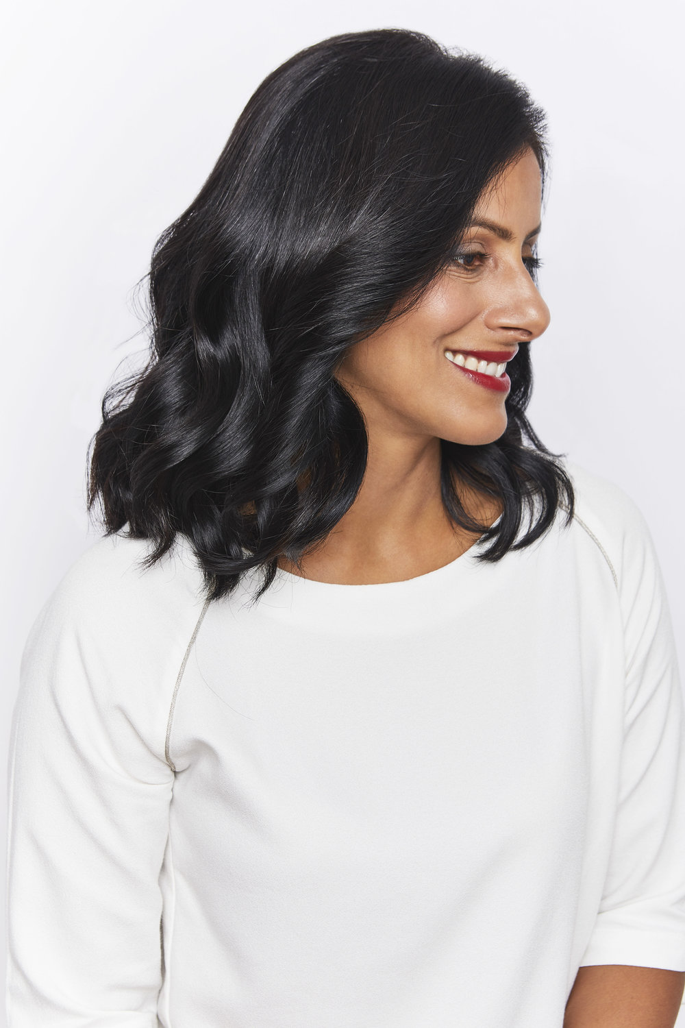 BE CHIC  Bring out your inner fashionista  with these sultry, stylish curls.