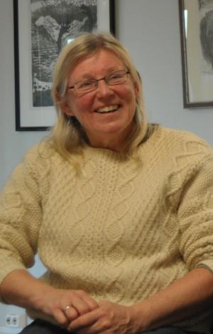 Miljø-bonde:  Bodil Melbye Buraas ønsker å drive i pakt med naturen når hun holder skotsk høylandsfe.