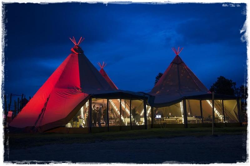 Bærekraftfestival:  I år er det en bedrift på Jaren som leverer konferanselokaler i form av lavvoer. Tentipi lavvoene kan kobles sammen til å utgjøre store rom for flere hundre mennesker.