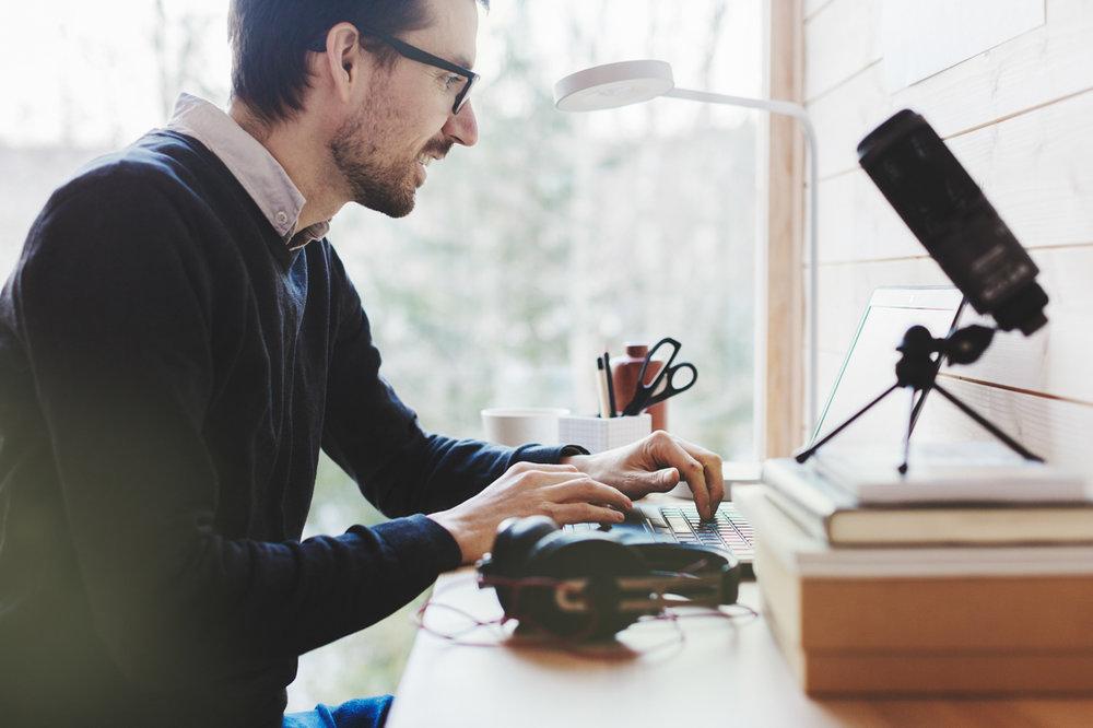 Online:   — Livsmestring handler om å stå i det livet vi har, sier Even Halland. Forskning viser at dette kan læres. Derfor tilbyr han nettkurs.