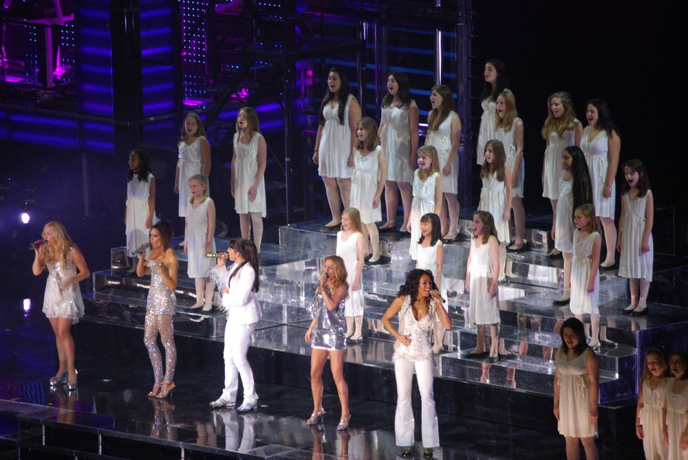 4.Choir and Spice Girls.jpg