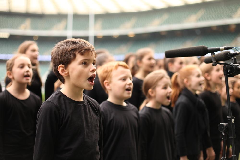 5.Twickenham sing.JPG