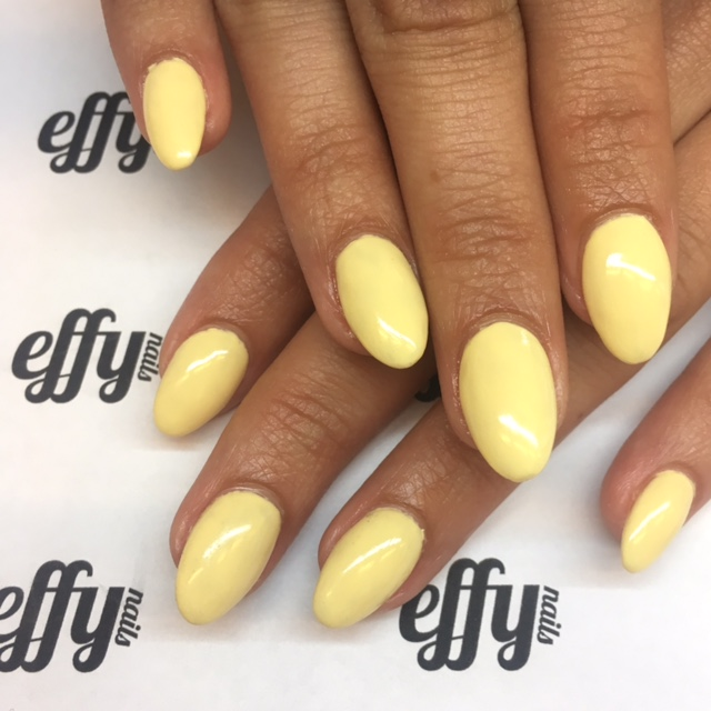 Yellow nails are a thing for 2017...