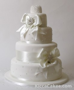 white bow wedding cake the wedding room nottingham