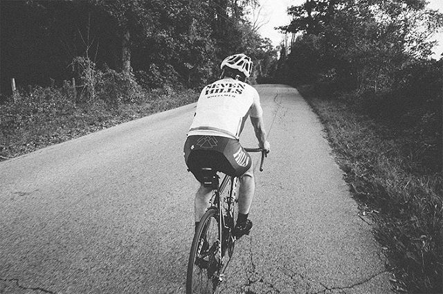 Dad and I scouted some cool farm roads to show off the 7HW jersey. This guy loves his hills, so cooperation was in surplus. Catch a bit more on @mattplays.co