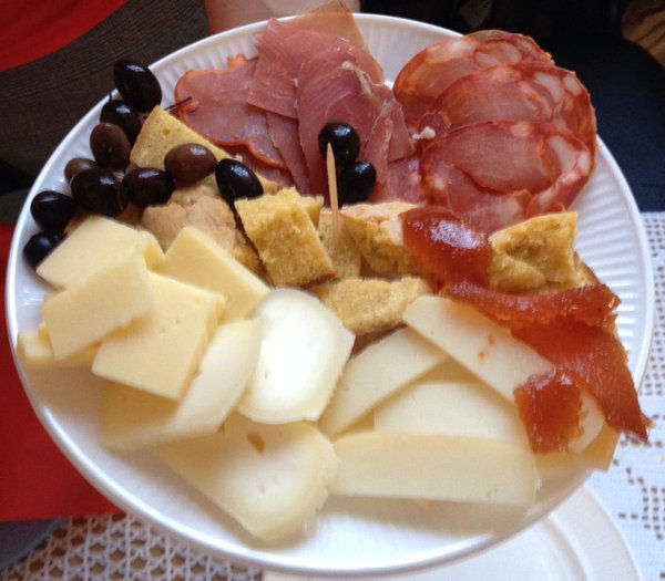 1386 Meat & Cheese Selection