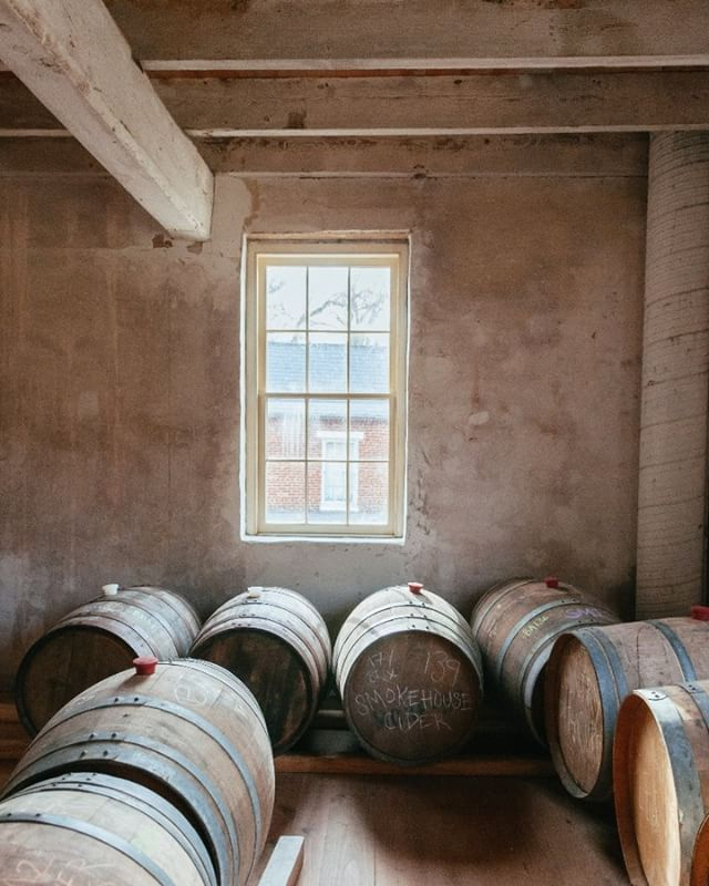 Come to the cider mill for a tour and tasting--stay for a cider on tap! Open this weekend Sat. 1-6; Sun. 1-5. . . . #ciderscouting #ciderhangout #rusticmill #rusticcider #mdcider  #monktonmd #ciderweekend . . .