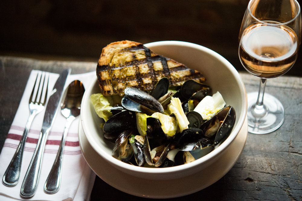 Mussels in White Wine Broth     Photo Download