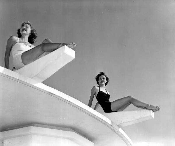 Title: Models at Lido Beach - Sarasota Date: ca. 1951. Physical descrip: 1 photoprint - b&w - 4 x 5 in. Series Title: Department of Commerce Collection. Repository: State Library and Archives of Florida