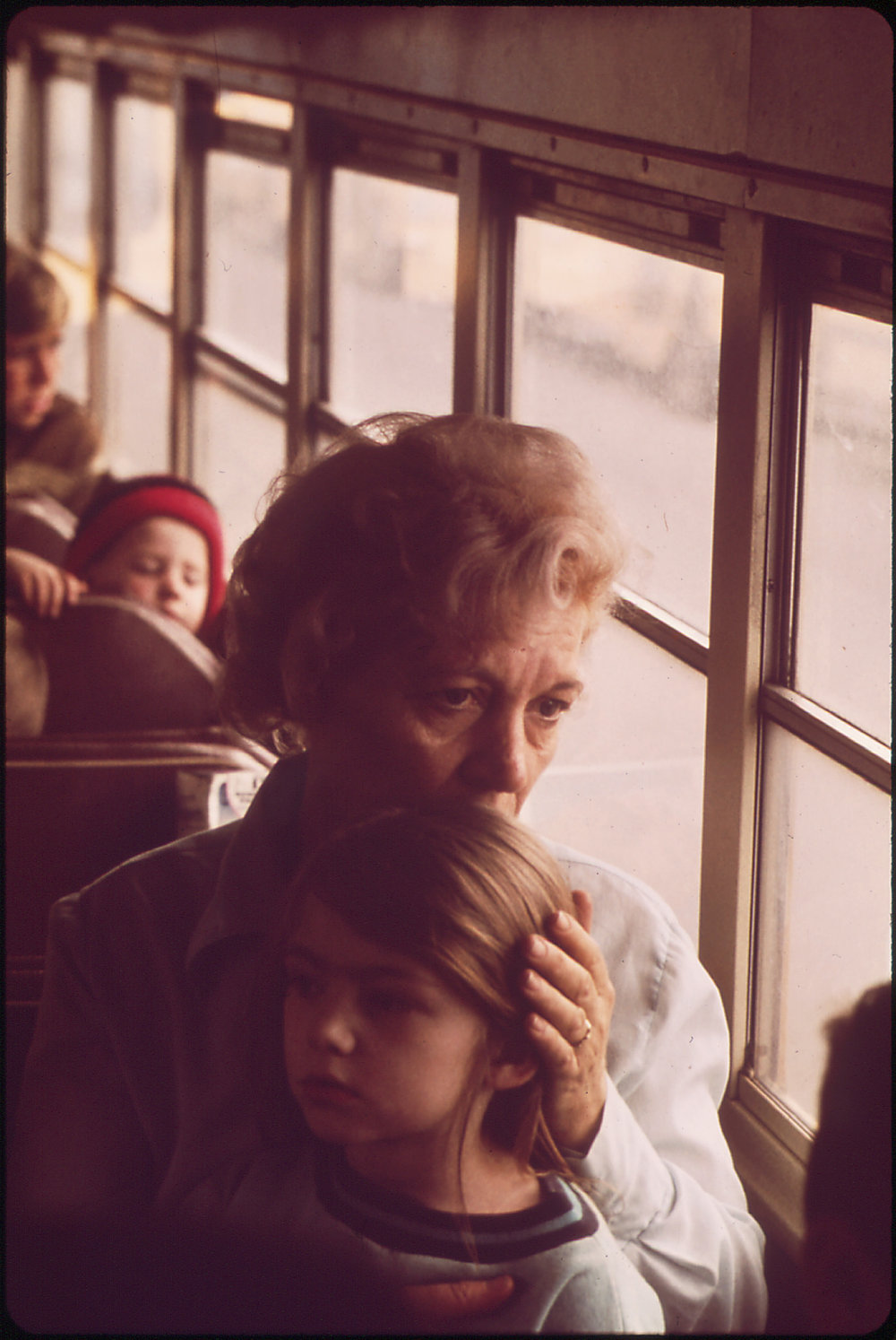 A Worried Mother And Her Child Leave Louisville By Bus When The City Was Evacuated. Evacuation Centers Were Set Up When A Barge Carrying Liquid Chlorine Broke Loose From Its Tug And Threatened To Spill Its Poisonous Contents. The Barge Carried Enough Liquid Chlorine To Devastate Much Of The City Of Louisville, March 1972.