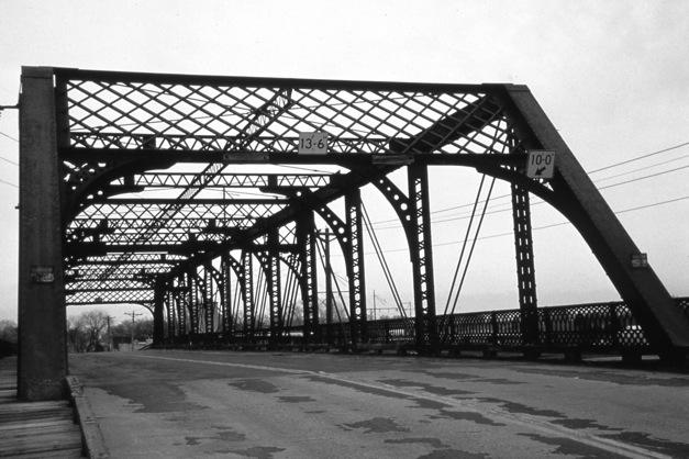 1890 bridge  (demolished 1992)