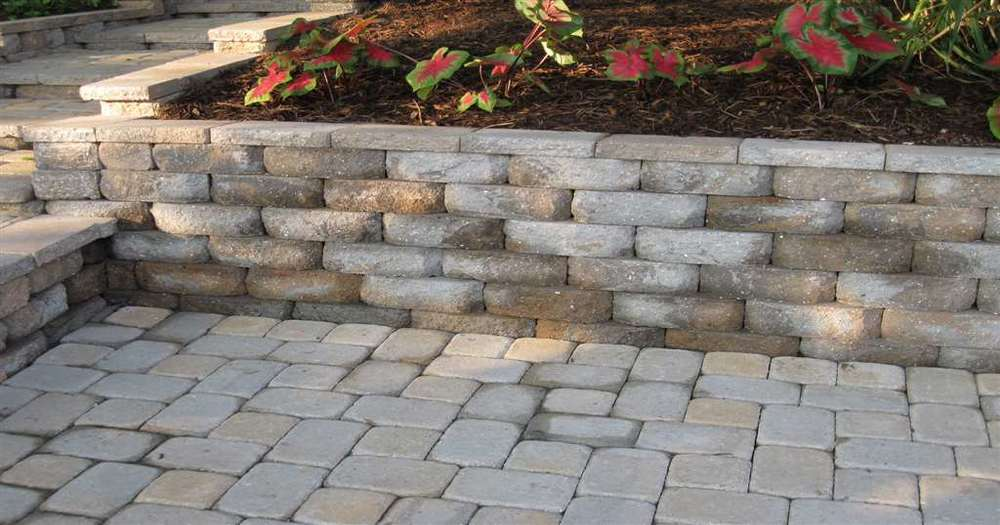 Castle_Block_Wall_and_Patio-0.jpg