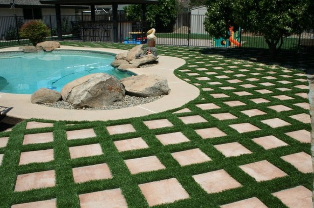 pool-deck-turf.jpg