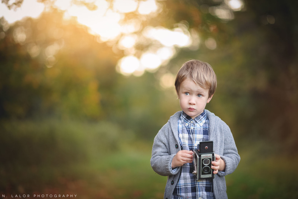 nlalor-photography-boy-fall-new-canaan-nature-center-photo-session-6.jpg