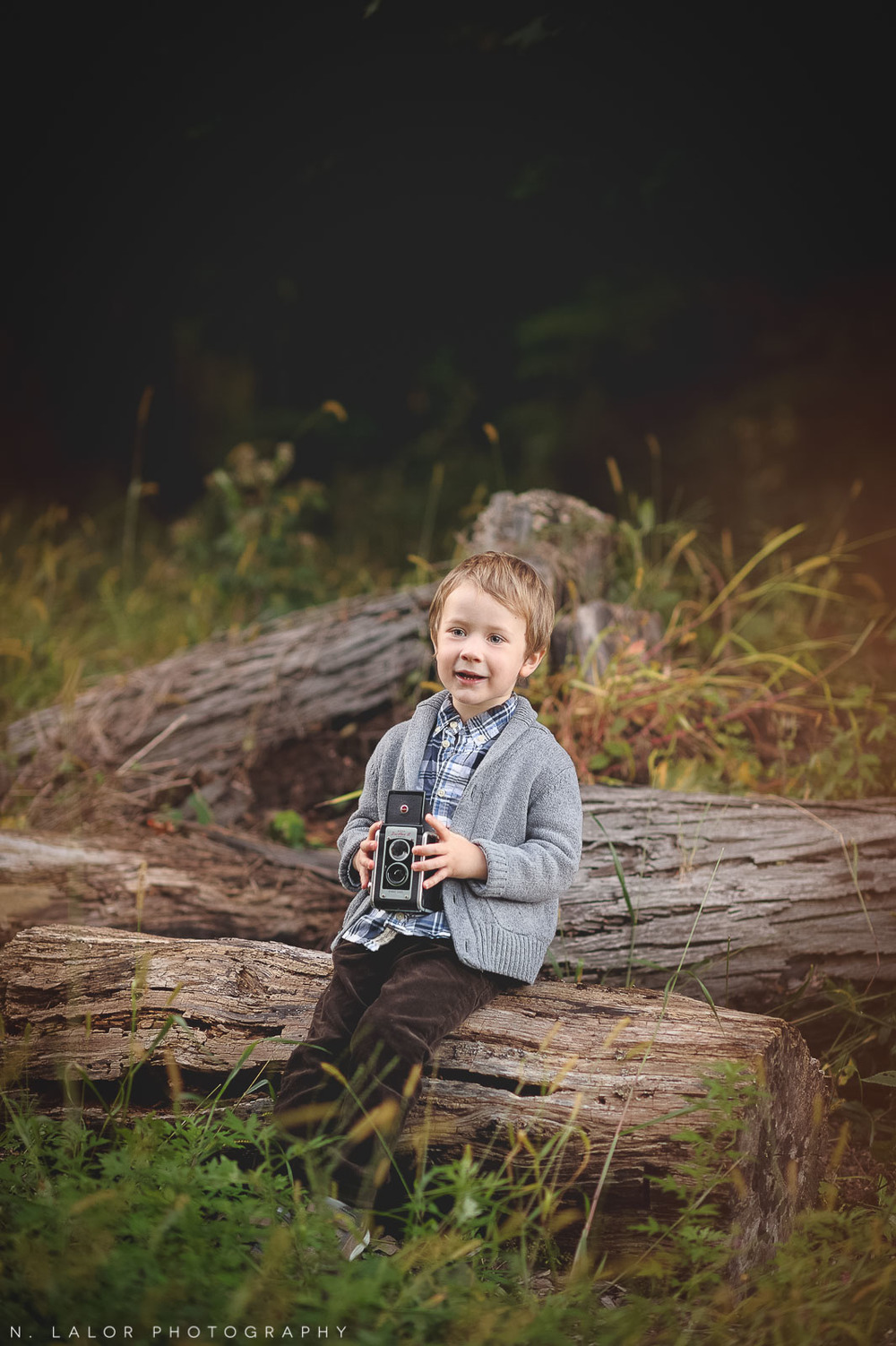 nlalor-photography-boy-fall-new-canaan-nature-center-photo-session-11.jpg