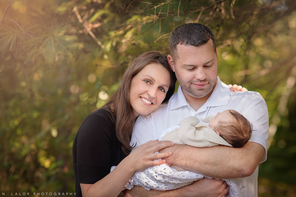 nlalor-photography-2-month-old-baby-family-session-connecticut-1.jpg