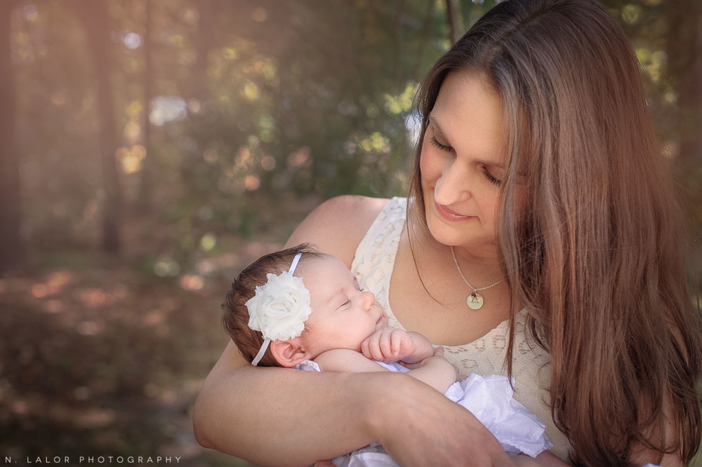 nlalor-photography-2-month-old-baby-family-session-connecticut-12.jpg