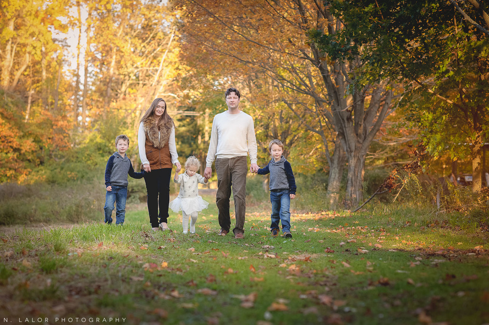 nlalor-photography-2014-styled-family-life-new-canaan-nature-center-fall-17.jpg
