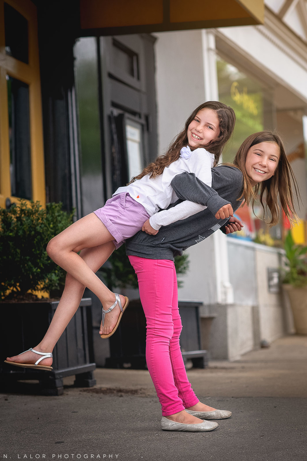 nlalor-photography-090314-fun-styled-tween-session-greenwich-avenue-connecticut-5.jpg