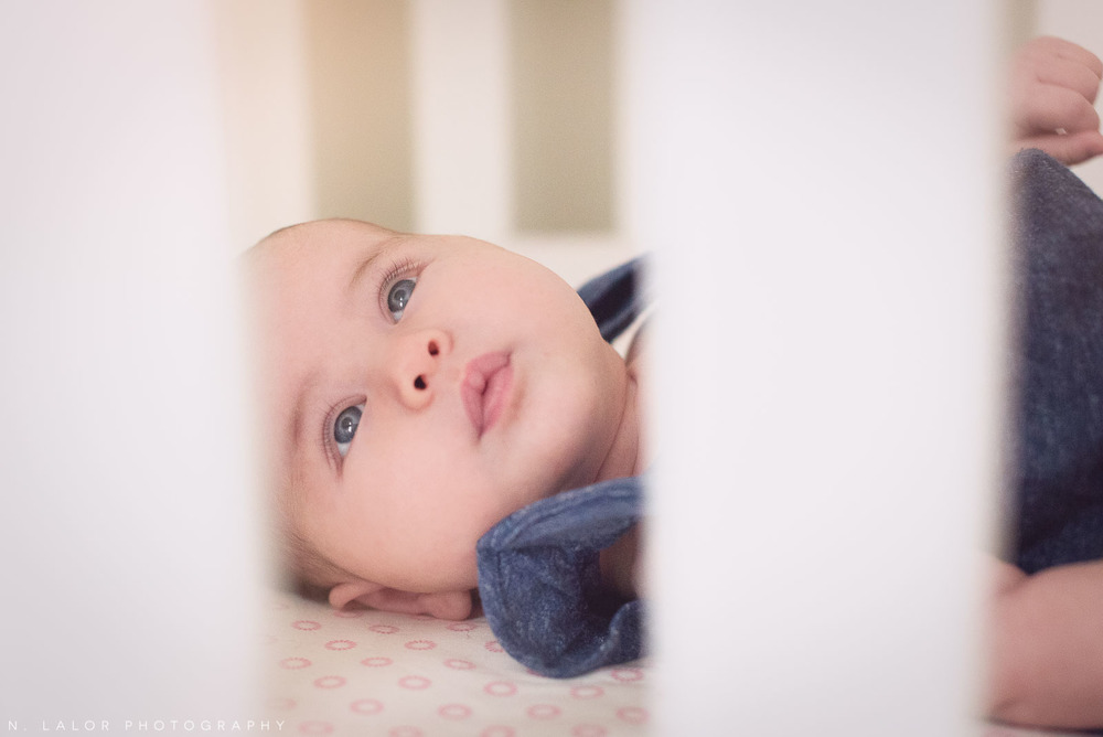 nlalor-photography-040815-madeline-lifestyle-newborn-home-photo-session-3.jpg