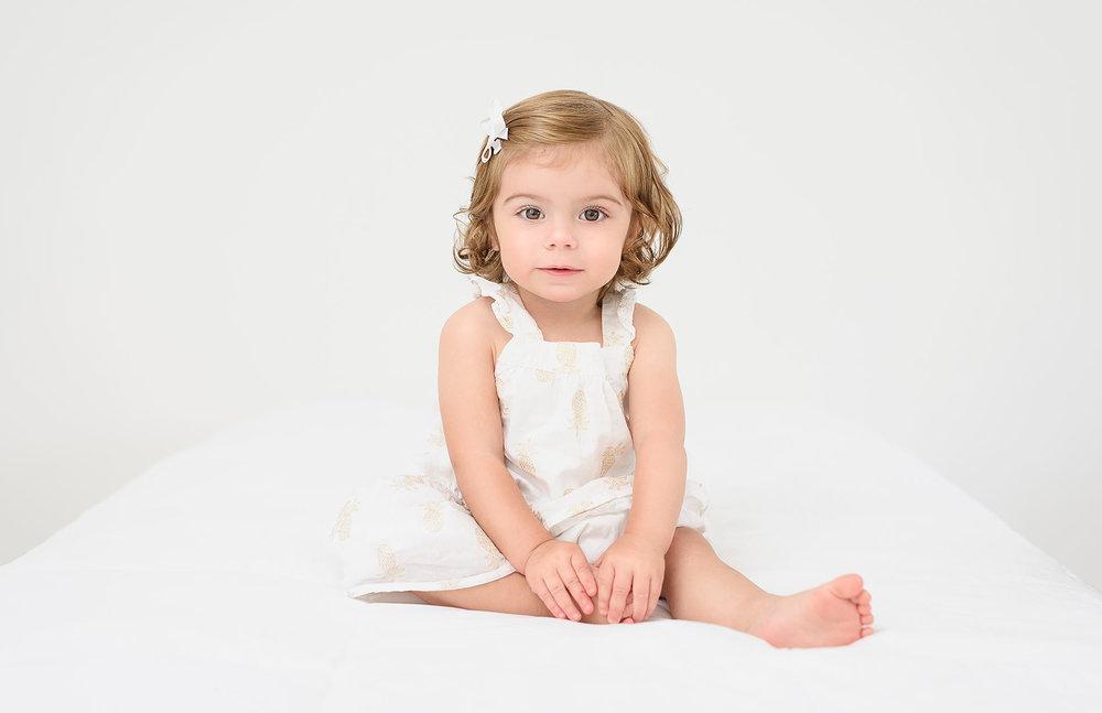 toddler-child-photographer-greenwich-connecticut.jpg