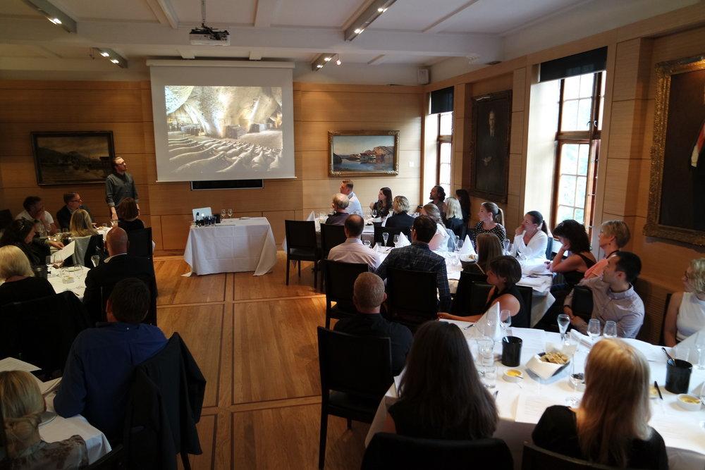Basiskurs i vinsmaking med Magnus fra Territoriet/Maaemo (60 deltagere)