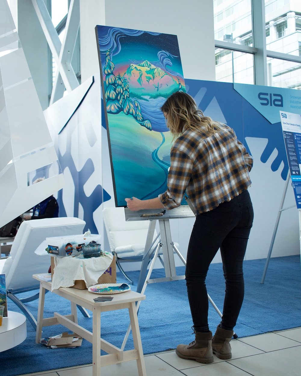 I was so excited to have the opportunity to live paint at the Snowsports Industries America booth at Outdoor Retailer for the 2018/2019 show! Check out my interview  here.