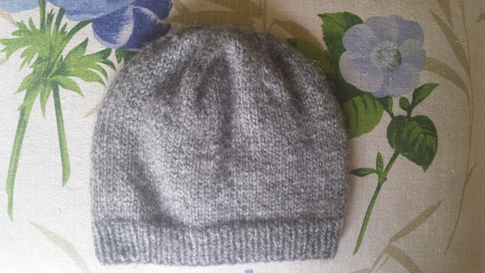 A simple pattern and beautiful yarn.....