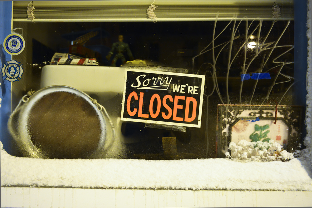 SORRY WE'RE CLOSED-FRONT ST-12316.JPG