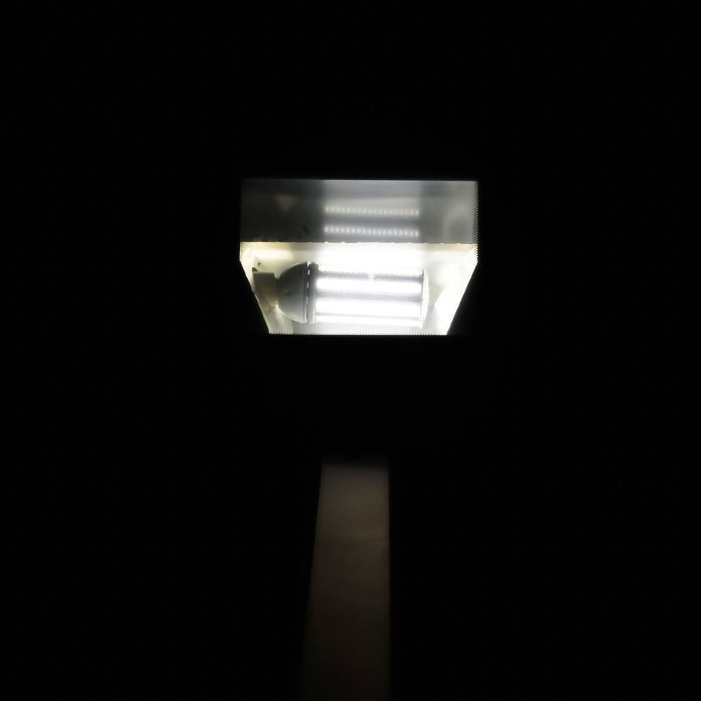 LIGHT 17X17 7.JPG