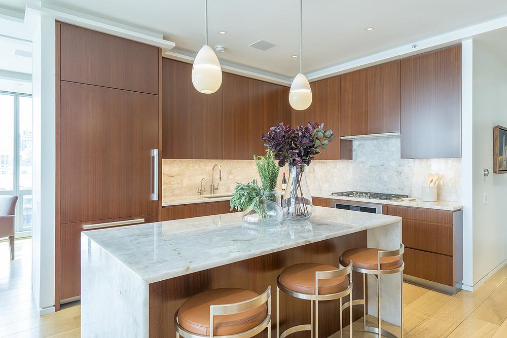 4. Kitchen 2.jpg
