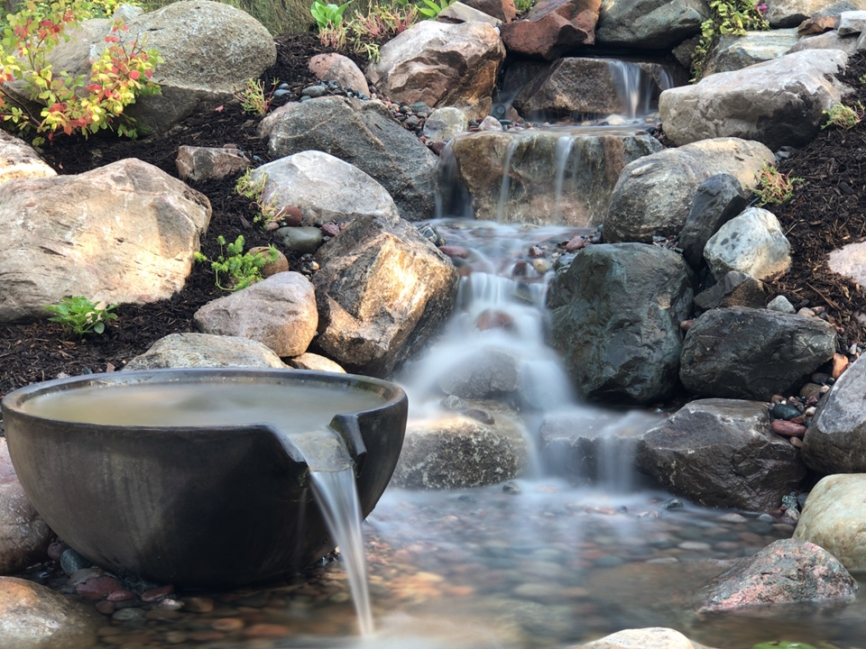 This tall waterfall with a spillway bowl brings both the rustic charm of Northern Michigan and the formality of the craftsman style to this yard. Bay harbor is the perfect setting, make it a stunning setting too with Waterpaw!