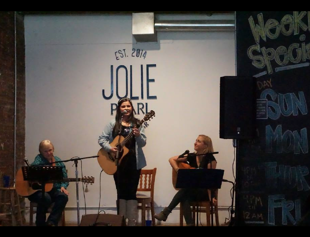 Songwriter Sunday @ Jolie Pearl. Photo by Susan Acosta.