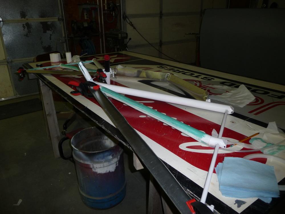 Attaching aero trailing edge on landing gear