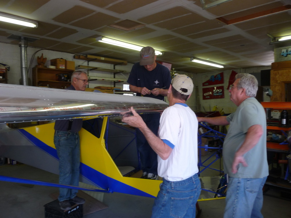 How many men does it take to set a STOL wing?
