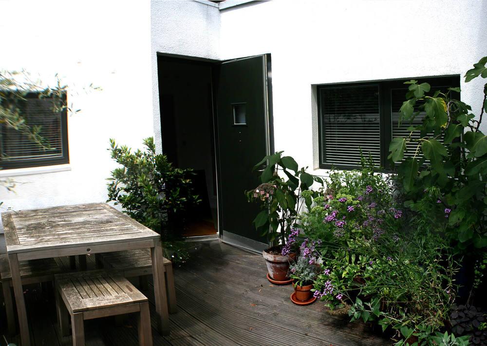 courtyard_1.jpg