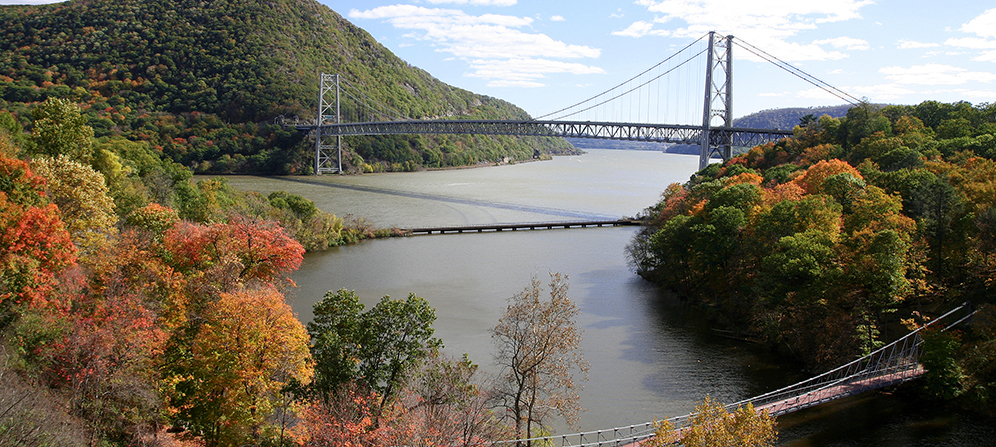 11-8_ARTICLE-HERO_FALL-HIKES-NEAR-NYC.jpg