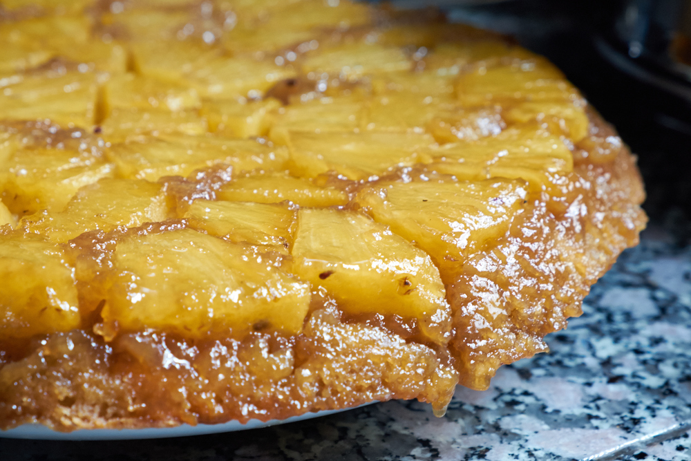 pineapple_upside_down_cake_518517.jpg