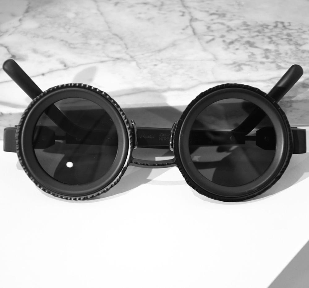 Kuboraum Z3 Black Matte