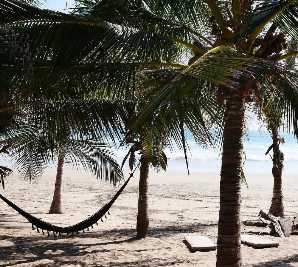 Lo Sereno_BeachHammock.jpg