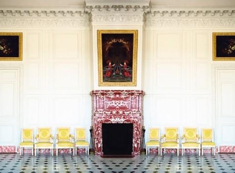 Les Chaise Jaunes IV.jpg