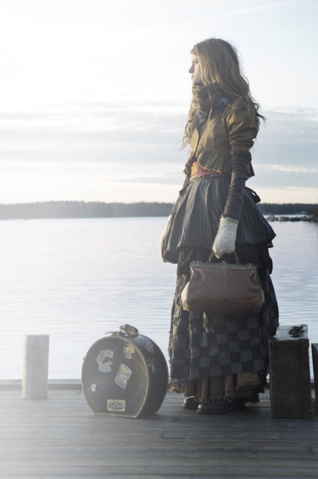 mountain-daughter :    Ewa I Walla Art Design and Fashion      Return to Ivy