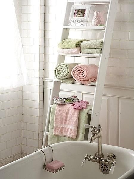 I would love a bubble bath in this… I can feel all my troubles melting away.